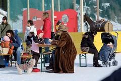 DSCF0266 (levosama1) Tags: lady fur furcoat elegant dame highsociety pelz upperclass