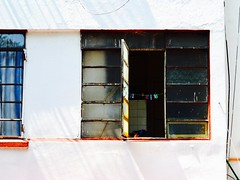 abierto (cskazmer) Tags: window mexico mexicocity clothesline clothespins nikon1v2