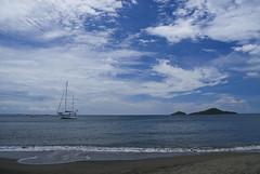 Reserva Costeau (alfredorn666) Tags: playa cielo isla tortugas reserva velero nikon200 costeau