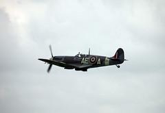 Duxford Airshow 2014 (Bad Wolf Babe) Tags: airplanes airshow airdisplay lindajenkins duxford2014