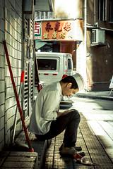 Break (Marcello Iaconetti Photography) Tags: cook cuoco pausa break lavoro work light nikon d600 huaweitrip shenzhen china cina people luce lucenaturale