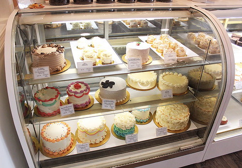 Gourmet and Cheesecakes Display Case