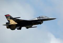 Solo Turk F-16 (Bernie Condon) Tags: tattoo plane flying fighter display aircraft aviation military jet airshow f16 falcon lockheed turkish gd turk ffd fairford riat airtattoo soloturk riat14