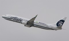 "Alaska ""GO RUSSELL"" 737-800 (N453AS) LAX Takeoff (hsckcwong) Tags: lax alaskaairlines 737800 gorussell n453as"