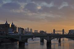 UK - London - Sunrise from Millennium Bridge (Harshil.Shah) Tags: inglaterra bridge england london tower thames skyline sunrise millennium wharf londres angleterre canary londra engeland londen anglia inghilterra lontoo ロンドン londyn londýn 伦敦 런던 영국 лондон englanti イングランド 英格兰 англия engleska λονδίνο αγγλία