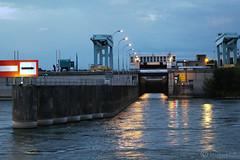 Rhne River Lock - Ecluse de Vaugris (jan buchholtz) Tags: france water lights lock driveby isre ecluse rhnealpes rhneriver vaugris reventinvaugris janbuchholtz