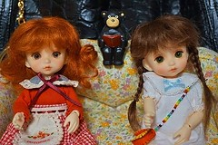 """Bear: """"Not yet, girls! I will tell you when to move."""" (cute-little-dolls) Tags: bear cute doll bebe bjd mudoll dotories"""