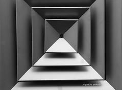 Quadrados (Jaqueline Servia Fotografia) Tags: metal brasil sopaulo objetos alumnio geometria quadrados construo encaixe