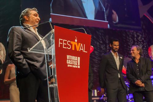 """Recogida de el premio de """"El Príncipe"""" en el FesTVal 2014"""