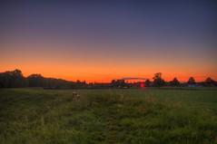 Abends auf dem Deich (Metal Maik) Tags: sunset landscape sonnenuntergang feld felder fields landschaft hdr dike deich niedersachsen wendland dannenberg lchowdannenberg nebenstedt maikrichter