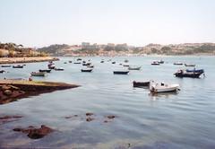 (Alejandro Prez Rizo) Tags: film portugal analog 35mm canon fishing analgica fuji barcos ships porto alejandro pesca oporto carrete duoro duero prez desembocadura rizo