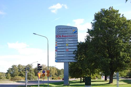 Johannelunds Centrum Stolpskylt