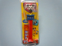 Mickey Mouse Japanese Collectible Candy Pez Dispenser (My Sweet 80s) Tags: disneytopolino mickeymouse picknplay disney waltdisney pez assortedfruitcandy candy caramelle anni80 80s japanese japanesecollectiblespez pezdispenser dispensercaramelle candydispenser pezcandy candypezdispensers dispensers candypez collectiblescandydispensers japanesedispensers
