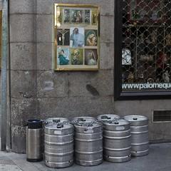 Beer (Julio Lpez Saguar) Tags: madrid street city urban espaa beer calle spain cerveza religion ciudad urbano juliolpezsaguar