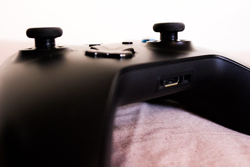 canon one pad xbox microsoft controller 600d (Photo: mcunnelly on Flickr)