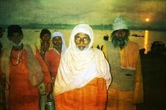 Magh Mela  .. Prayag near Allahabad 1994 (Nick Kenrick.) Tags: portrait india sunrise religious groupportrait hindu sadhu ganges mela allahabad maghmela