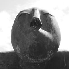 a face (joe.laut) Tags: bw sculpture blackwhite skulptur sw juli schwarzweiss rendsburg 2014 incoloro nordart bdelsdorf joelaut