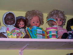 100_2302 (sonya_ippo) Tags: family sunshine vintage doll dolls paolo famiglia lola barbie mini polly lucia pocket felice pinocchio franca mattel brunello bambole bambola effe cicciobello sebino zambelli zanini furga italocremona migliorati
