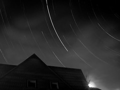 b/ntrail (Asado De Cordero) Tags: bw white black night canon dark star noche long exposure bn trail estrellas exposicion startrails larga startrail chdk a480