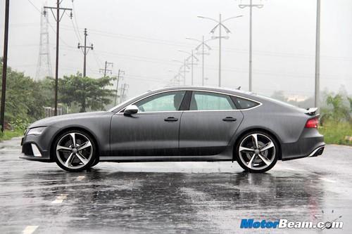 2014-Audi-RS7-10