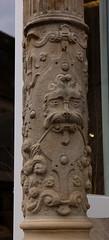 Hameln, Niedersachsen, Demptersches Haus, faade, detail (groenling) Tags: stone germany de deutschland lion stonecarving carving column markt stein faade fassade lwe hamelin niedersachsen hameln dempterscheshaus
