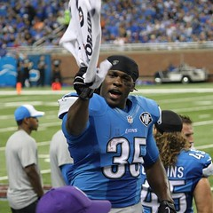 J. Bell talking to me! (Sumer FireFly) Tags: square nfl detroit squareformat lions detroitlions fordfield mnf 50yardline iphoneography joiquebell lionswin instagramapp mnf2014 lionsvsgiants talkingtojoiquebell
