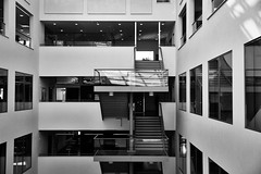 Inside Orkanen (Rutger Blom) Tags: school windows blackandwhite bw building architecture stairs interior malm 45mm malmo orkanen malmhgskola malmouniversity canoneos5dmarkii ef2470mmf28liiusm