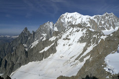 Chamonix, massif du Mont-Blanc (Ytierny) Tags: panorama france horizontal altitude glacier neige midi blanche chamonix mont montblanc glace alpinisme hautesavoie sommet valle aiguille et maudit belvdre srac massifdumontblanc hautemontagne alpesdunord ytierny