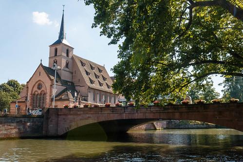 Pont et paroisse Saint-Nicolas