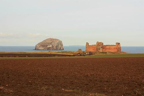DU2-26 Bass Rock & Tantallon Castle Ruins