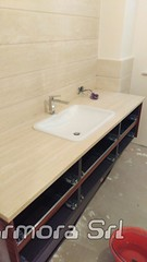 top bagno e rivestimento in travertino navona