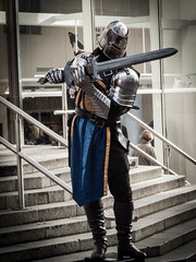 Day 3 : Glasgow Knights (Terlan) Tags: glasgow cosplay streetphotography knight armour costume sword