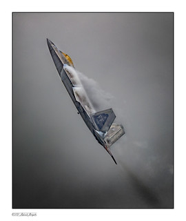 F22a Raptor making its own weather