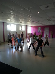 "zomerspelen 2013 hiphop clinic • <a style=""font-size:0.8em;"" href=""http://www.flickr.com/photos/125345099@N08/14220767377/"" target=""_blank"">View on Flickr</a>"