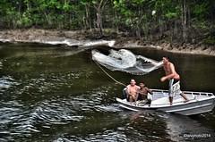 Fishermen Manaus (L▲iv ©) Tags: brasil river fly nikon fishermen fiume volo network manaus brasile pescatore amazonas rete 2014 rioamazonas riodelleamazzoni laivphoto ríoamazonas brasil2014 thelargestriversystemintheworld