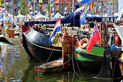 Ostende, Harbourparty, Oostende voor Anker, 003 (Andy von der Wurm) Tags: colors boats colorful europa colours belgium belgique ships may flags boote mai northsea colourful oostende nordsee farbig bunt schiffe vessels flaggen belgien ostende 2014 harbourparty hafenfest harborparty oostendevooranker hobbyphotograph westflandern flandresocidental andreasfucke andyvonderwurm