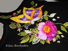 P2280009 (Kika Bordados by Angelica Krauss) Tags: flowers brazil flores butterfly handmade embroidery craft tshirt artes emboidery artesanatos bordados manualidades lantejoulas brilhos pedraria feitoámão camisetabordadaàmão bordadosfeitoàmão kikabordados kikakrauss
