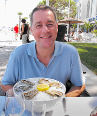 2009-08-19-11-42-22-2.jpg (martinbrampton) Tags: food france oysters arcachon aquitaine nitram august2009
