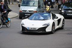 McLaren 650S (kenjonbro) Tags: uk england white london sports westminster trafalgarsquare sunny convertible mclaren charingcross themall sw1 roadster 2014 worldcars kenjonbro mclarenmp412c canoneos5dmkiii kencorner lj14ddu canonzoomlensef9030014556