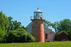 Isle La Motte Lighthouse, VT (hatchski) Tags: ocean light sea lighthouse lake beach la vermont lighthouses shore champlain isle vt lakechamplain islelamotte motte