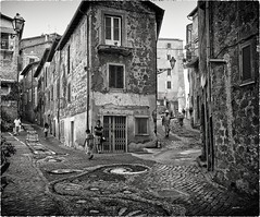 on the ancient streets... (sermatimati) Tags: bw roma scale nikon colore calore strade vecchio magia tufo paese genazzano fascino sermatimati dipingereconifiori