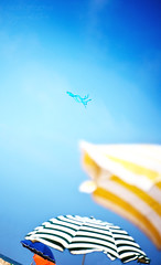 Summer signs ((Virginie Le Carré)) Tags: blue summer sky kite beach colors couleurs bleu ciel parasol plage ete cerfvolant beachumbrella