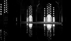 see the light (I) [EXPLORE 2014-07-30] (pix-4-2-day) Tags: light reflection reflexion licht moschee mosque hassan ii marokko maroc morocco casablanca black white schwarzweis pix42day explore explored