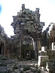 Angkor Thom - 071 (txikita69) Tags: cambodia khmer angkorwat siemreap angkor taprohm bayon angkorthom banteaykdei camboya thommanon bakseichamkrong phnomkrom khmerempire tonlesap terrazadeloselefantes banteaysamre regencyangkorhotel