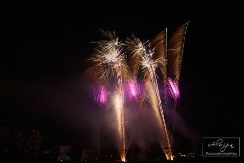 """Fireworks • <a style=""""font-size:0.8em;"""" href=""""http://www.flickr.com/photos/104879414@N07/15070111360/"""" target=""""_blank"""">View on Flickr</a>"""