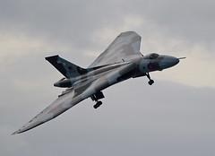 Vulcan (Bernie Condon) Tags: plane vintage flying display aircraft aviation military jet delta airshow vulcan preserved bomber bournmouth raf warplane avro xh558 vtts