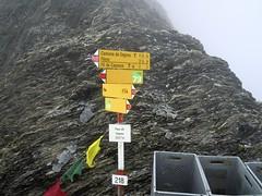 Segnespass (ponte1112) Tags: mountains fog landscape geotagged schweiz switzerland nikon nebel suisse hiking s5100 berge coolpix che landschaft wandern flims wanderweg wegweiser nikonshooter flimsdorf kantongraubnden nikonschweiz geosetter capturenx2 nikonswitzerland viewnx2 geo:lat=4690212287 geo:lon=922465324