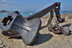 Entre l'Ile Vierge et la mer. Septembre 2014 (Bernard Pichon) Tags: mer france port ile bretagne cadiz 29 phare rocher amoco finistre portsall ilevierge plag bpi760