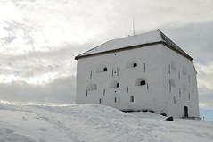 Kristiansten Festning in Snow (Samfk) Tags: white snow fort kristiansten festning trondhiem norway winter sne hvid building