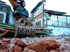 Under construction... (travel Jam) Tags: constructionarea